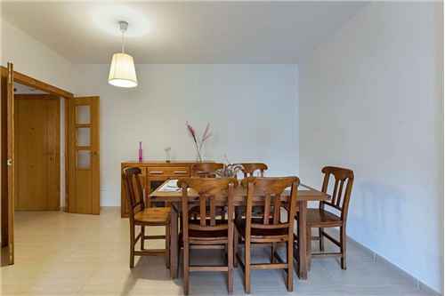 Properties_022
